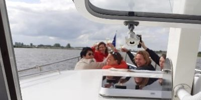 Rondje Zuidwest-Friesland met motorboot